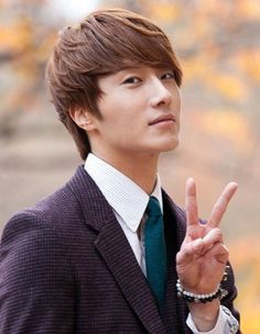 Cha Chi Soo (Jung Il Woo)~ I loved the the way he grown up after falling in Iove with Eun Bi (Lee Chung Ah)!