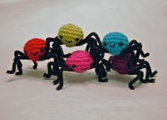 CRAFTYisCOOL: Free Pattern Friday! Spooky String of Sheep(ish) Spiders