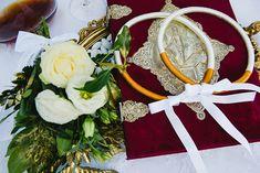 Elegant wedding in white and gold hues │Zoe & Giannis - Chic & Stylish Weddings Wedding Blog, Our Wedding, Military Wedding, Wedding Wreaths, Bridal Crown, Wedding Preparation, Reception Areas, Headpieces, Fresh Flowers
