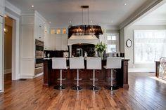 Gourmet eat-in kitchen | 1159 Carey Rd, Oakville