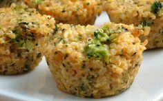 Empadas lowcarb de quinoa, queijo e brócolis