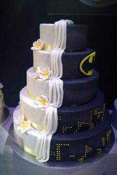 Batman wedding cake - made by Stiletto Studio NZ! Getting lots of pressure to have something similar at my wedding...