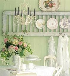 Spring green & romantic roses . . .  what a great look!