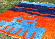 Une série de tapis berbères aux motifs insolites narrant l'histoire d'aujourd'hui par Khalil Minka.