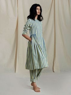 A Kurta to go with every occasion, be it printed embroidered or sequined. Simple Kurti Designs, Kurta Designs Women, Kurti Neck Designs, Pakistani Fashion Casual, Pakistani Dresses Casual, Pakistani Dresses Online, Kurti Patterns, Stylish Dresses For Girls, Indian Designer Outfits