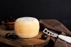 Artisanal cheese still life. Food photography, food styling ~ www.flaviamorlachetti.com