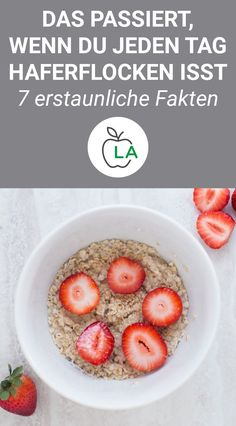 Haferflocken: Gesund und perfekt zum Abnehmen – 7 erstaunliche Fakten Oatmeal is extremely healthy and should therefore be eaten in any diet. Here we show you how they affect our health and introduce you to tasty, low-calorie recipes. No Calorie Foods, Low Calorie Recipes, Diet Recipes, Fat Burning Drinks, Fat Burning Foods, Healthy Drinks, Healthy Eating, Healthy Life, Get Healthy
