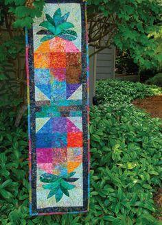 Kapalaa Kolors table runner, free pattern download at Craft Sisters Quilting