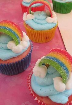 cupcakes at a My Little Pony Birthday Party! See more party planning ideas at !Rainbow cupcakes at a My Little Pony Birthday Party! See more party planning ideas at ! Rainbow Dash Party, Rainbow Unicorn Party, Rainbow Birthday Party, Rainbow Cupcakes, Unicorn Birthday Parties, Cake Birthday, Birthday Ideas, Rainbow Frosting, Rainbow Treats