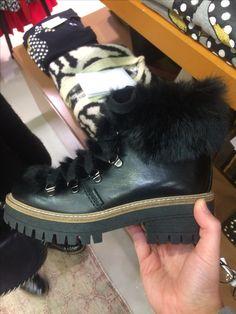 Je recherche ces chaussures