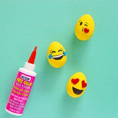 We can't get over how cute these DIY emoji Easter eggs are! Create your own with Beacon Felt Glue! Emoji Easter Eggs, Felt Glue, Create Your Own, Holidays, Creative, Projects, How To Make, Fun, Design