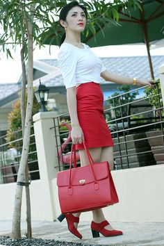 MatchingRed25 Red Purses, Lady In Red, Outfit Ideas, Outfits, Women, Madame Red, Suits, Kleding, Outfit