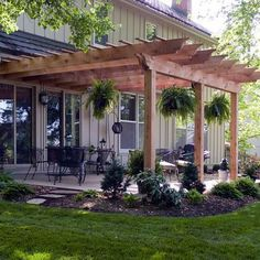 Amazing Modern Pergola Patio Ideas for Minimalist House. Many good homes of classical, modern, and minimalist designs add a modern pergola patio or canopy to beautify the home. Casa Patio, Backyard Pergola, Pergola Plans, Backyard Landscaping, Landscaping Ideas, Cheap Pergola, Backyard Seating, Cozy Backyard, Outdoor Pergola