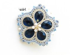 Soutache brooch Blue Flower by Violetbijoux on Etsy Diy Jewelry, Beaded Jewelry, Jewelry Making, Unique Jewelry, Soutache Pendant, Soutache Earrings, Brooches Handmade, Handmade Necklaces, Polymer Clay Charms