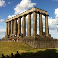 Calton Hill, em Edimburgo, na Escócia. Descubra mais no www.wayway.com.br #wayway #edimburgh