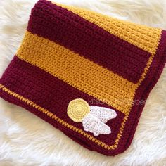 Crochet Harry Potter baby blanket, Gryffindor baby blanket, Golden snitch