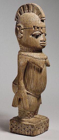 Nigeria - Benin Edo Ivory Standing Female Figure (Metropolitan Museum of Art)