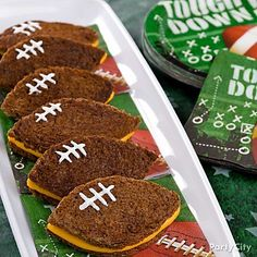 This smaller-sized meal leaves your guests with energy to cheer on their team through the fourth quarter! Click the pic for more points-scoring football party food ideas.
