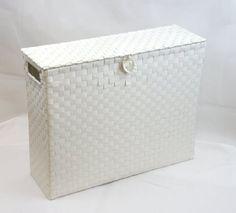 Arpan Toilettenpapierhalter Mehrzweck-Badezimmer-Aufbewahrungseinheit aus Polypropylen, gewoben, auf Metallrahmen, Weiß