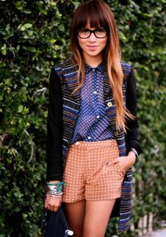 Everything about this outfit = Perfection. She's one of my new favorite fashion bloggers!