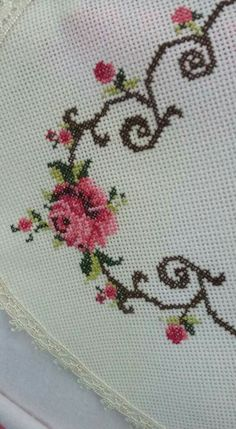 This Pin was discovered by Gül Cross Stitch Heart, Cross Stitch Borders, Cross Stitch Flowers, Cross Stitch Designs, Cross Stitching, Cross Stitch Embroidery, Cross Stitch Patterns, Yarn Shop, Easy Crochet Patterns