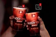 La marque de bière Budweiser vient de mettre au point des verres on ne peut plus dans l'air du temps. Leurs noms : Buddy Cup. Ces derniers sont connectés à Facebook et vous permettent de vous faire des amis… simplement en trinquant.