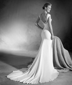 b2fb5dc56e 134 Best Wedding Gowns and gowns so Chic images