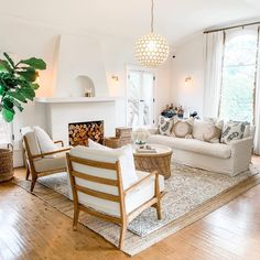 23 Inviting Beige Living Room Design Ideas to Bring a New Dimension to Your Home - The Trending House Boho Living Room, Home And Living, Living Room Decor, Small Living, Living Room With Chairs, Cottage Style Living Room, Coastal Living Rooms, Living Room Natural Decor, Living Room Rugs