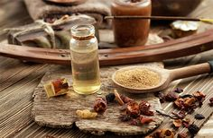 A fumaça do incenso é ligada ao elemento ar. Os incensos são muito importantes em vários rituais ciganos, para abrir seu baralho cigano