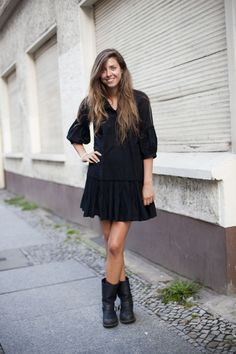 easy black slouch dress with black boots