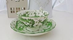 Check out this item in my Etsy shop https://www.etsy.com/uk/listing/398893731/dragon-teacup-and-saucer-second
