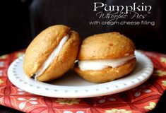 These were yummy, but not the 'holy cow I need to make these once a week' kind of yummy. Pumpkin Whoopie Pies w/ Cream Cheese Filling Classic Desserts, Great Desserts, Delicious Desserts, Yummy Food, Baking Recipes, Cookie Recipes, Snack Recipes, Whoopie Pie Filling, Pumpkin Whoopie Pies
