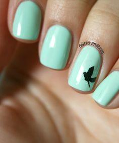 Mint + detail accent nail