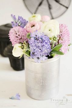 spring flower bouquet by {Frl. My Flower, Fresh Flowers, Beautiful Flowers, Pastel Flowers, Wild Flowers, Spring Flower Bouquet, Spring Flowers, Bouquet Flowers, Spring Blooms