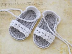 White Baby Crochet Sandals Baby Shoes Baby Sandals por TinySmiley