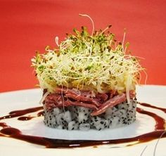 Salada de Brotos e Pitaya com Carne-de-Sol