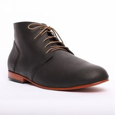 Emilio LE Chukka by Nisolo - Fantastic shoes that fit both with suits and jeans!
