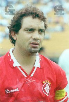Campeão Mundial pela Seleção com a camiseta do Inter em 1995.