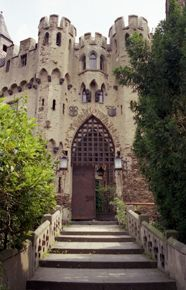 Burg Lahneck, Rheinland-Pfalz, Germany  Great Castles - Games - Castle Coloring Book