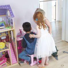 Tuula's life : SYNTYMÄPÄIVÄJUHLAT - SAGA 4 VUOTTA Girls Dresses, Flower Girl Dresses, Saga, Frozen, About Me Blog, Tulle, Wedding Dresses, Skirts, Pictures
