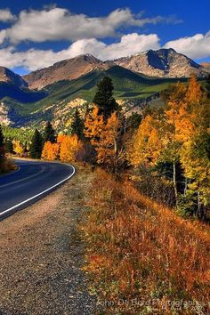 Roads of Autumn' Photographic Print by John De Bord Photography The Roads of Autumnby, Rocky Mountain National Park, Colorado.wish I could have seen this on my recent trip to Aspen, but the leaves had already fallen. Was still beautiful! Nebraska, Oklahoma, Kansas, Rocky Mountains, Places To Travel, Places To See, Travel Destinations, Tres Jolie Photo, Beautiful World