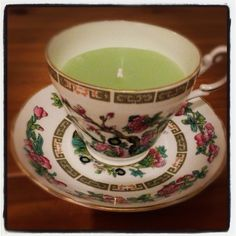 Regency cup n saucer candle a gorgeous gift.