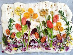 Focaccia Pizza, Focaccia Bread Recipe, Vegan Pastries, Bread And Pastries, Bread Art, Buffet, Food Decoration, Easter Brunch, Aesthetic Food