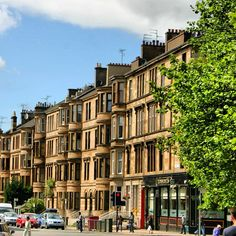 'Tenements', one of Glasgow's most popular form of housing, in the city's West End #glasgow #scotland