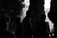 -- UNA PALABRA ENTRE LA MULTITUD -- @instagram #WHPspontaneous [#albertosierra_mobilephotography]