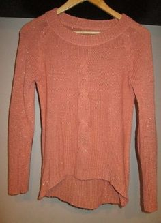 Kup mój przedmiot na #vintedpl http://www.vinted.pl/damska-odziez/swetry-z-dekoltem/12141309-brzoskwiniowy-sweterek-z-latami-na-lokciach