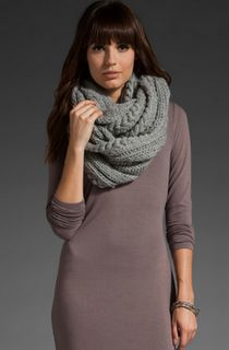 NEED an infinity scarf!