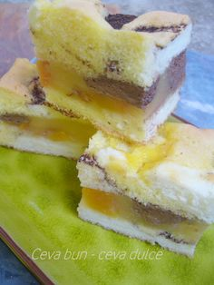 Romanian Desserts, Biscotti, Sweet Treats, Cheesecake, Dessert Recipes, Food And Drink, Cookies, Sweets, Projects