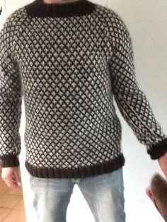 Knud Rasmussen trøje Knitting Kits, Knitting Designs, Yarn Crafts, Color Patterns, Ravelry, Knitwear, Men Sweater, Design Inspiration, Pullover