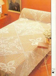 Crochet: Bedspread b Crochet Bedspread Pattern, Crochet Doily Patterns, Crochet Pillow, Crochet Designs, Crochet Mittens, Crochet Books, Crochet Vintage, Filet Crochet Charts, Cover Style